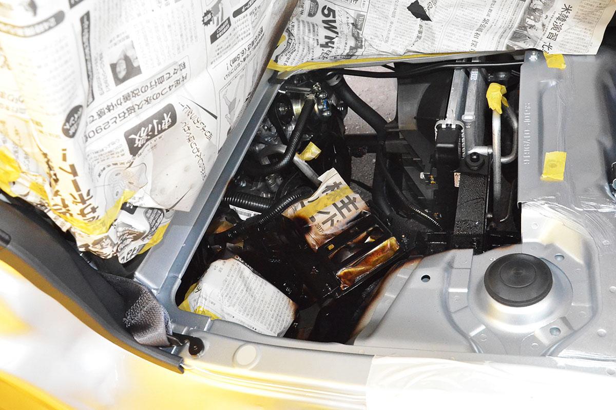施工後のエンジンルーム内写真
