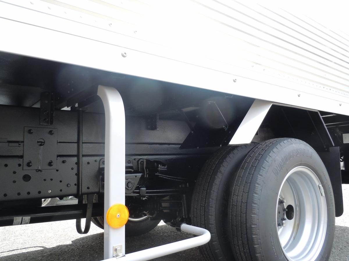 トラックのサビ止め施工3-4