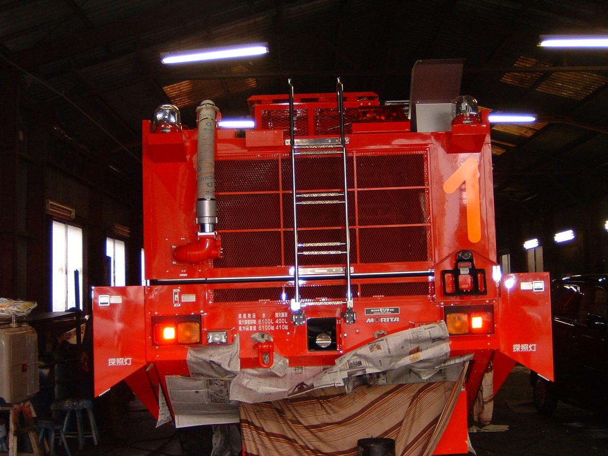 航空局消防車のサビ止め施工例1-5